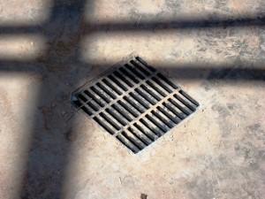 Garage floor drainage system