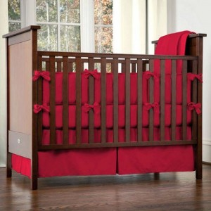 A safe crib to keep your baby safe