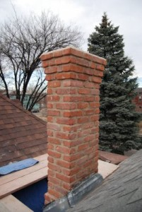 Insulated chimney pipe construction