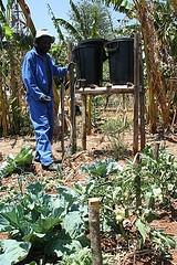Gravidade alimentados sistema de irrigação por gotejamento