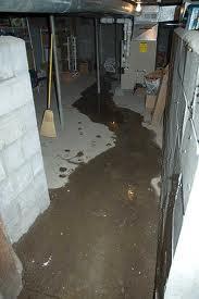 Excesso de água no porão drenos