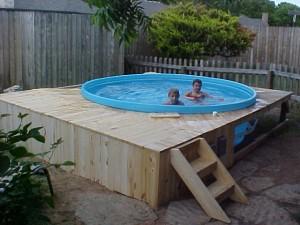 Safe hot tub step building