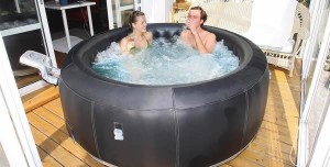 Inflatable hot tub use - Advantages and disadvantages