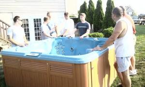 Traslado de una tina de agua caliente