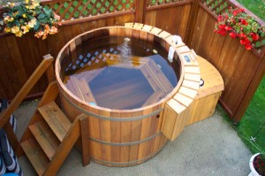 Advantages and disadvantages of cedar hot tubs