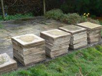 Maintenance of paving slabs