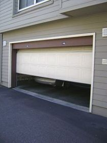 Slik reparerer din Garage Door