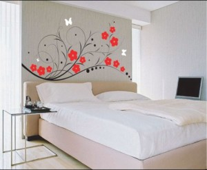 Useful tips for bedroom walls decoration